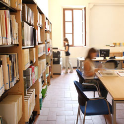 Museo Civico Polironiano - Resources - Library